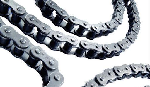 ¿Cómo evitar el «estiramiento» de cadena de rodillos?